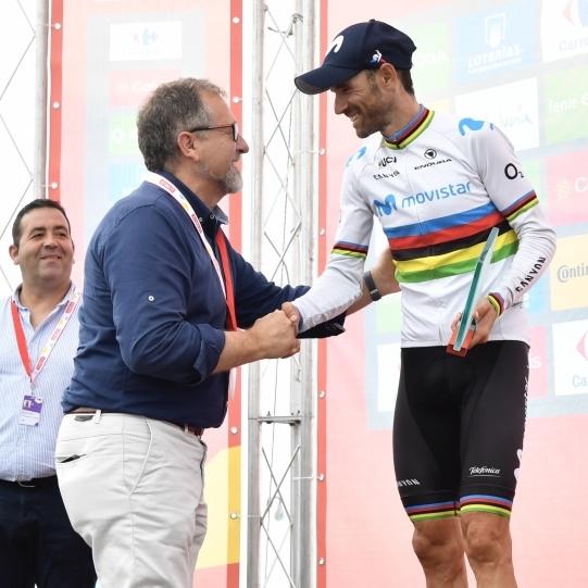 José Martí muestra su disposición a seguir apoyando a La Vuelta Ciclista a España